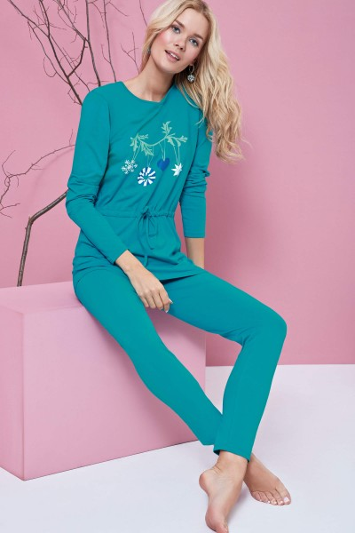 """Beauty"" Long Sleeve Pyjama Set"