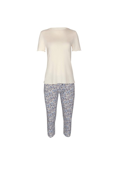»Limitless« Short-Sleeved Top and 3/4 Bottoms Pyjamas